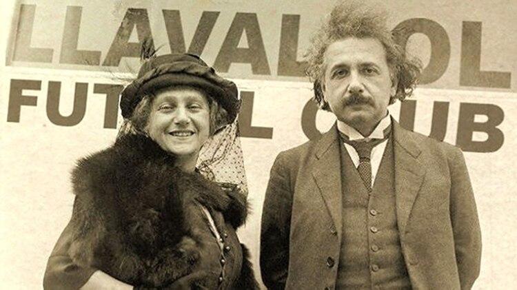 """El físico alemán, durante la visita a Lavallol, donde contó que gozó de """"buen clima y un descanso maravilloso""""."""