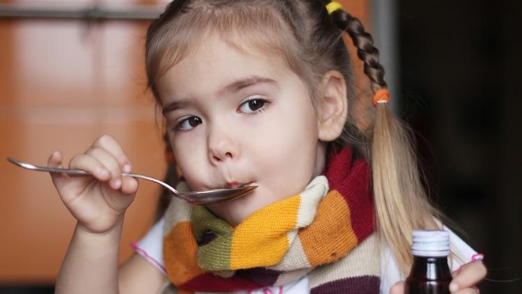 Crear desde chico la costumbre de consumir antibióticos es algo sumamente perjudicial para la salud (Shutterstock)