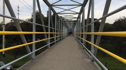 Mantenimiento puentes peatonales en Bogotá - Foto: Prensa IDU