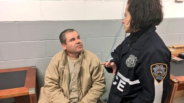 """Joaquín """"El Chapo"""" Guzmán, en la cárcel de Estados Unidos (@ShimonPro)"""
