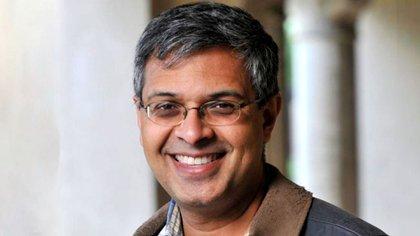 Jayanta Bhattacharya fue el autor principal de tres estudios sobre seroprevalencia realizados en Estados Unidos (stanford.edu)