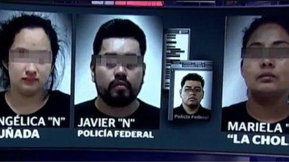 """Los detenidos son Angélica """"N"""", quien señalada como cuñada de """"El Marro"""", así como su esposo, elemento activo de la Policía Federal, además de otra mujer identificada como """"La Chola"""", a quien supuestamente se le habrían encontrado drogas Foto: Captura de pantalla Tv"""