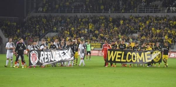 El St. Pauli apadrina al FC Lampedusa, un equipo de refugiados de la ciudad (AFP)