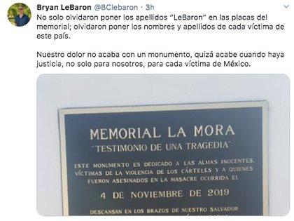 """El activista Bryan LeBaron mostró su opinión sobre el monumento llamado """"Testimonio de una tragedia"""", en honor a la familia LeBaron (Foto: Twitter)"""