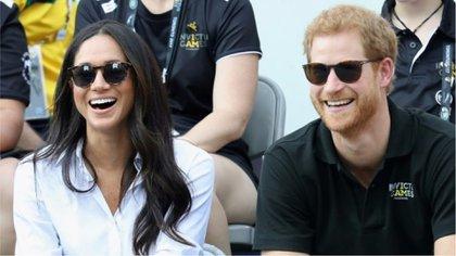 El prínicipe Harry y la actriz Meghan Markle miran un partido de tenis de los Juegos Invictus, en Toronto, el 25 de septiembre de 2017 (GETTY/AFP - Chris Jackson)