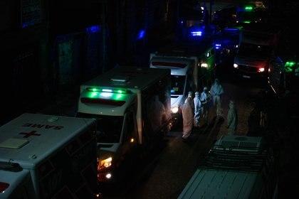 El operativo para evacuar a las 35 personas comenzó el jueves por la tarde y finalizó cerca de la medianoche