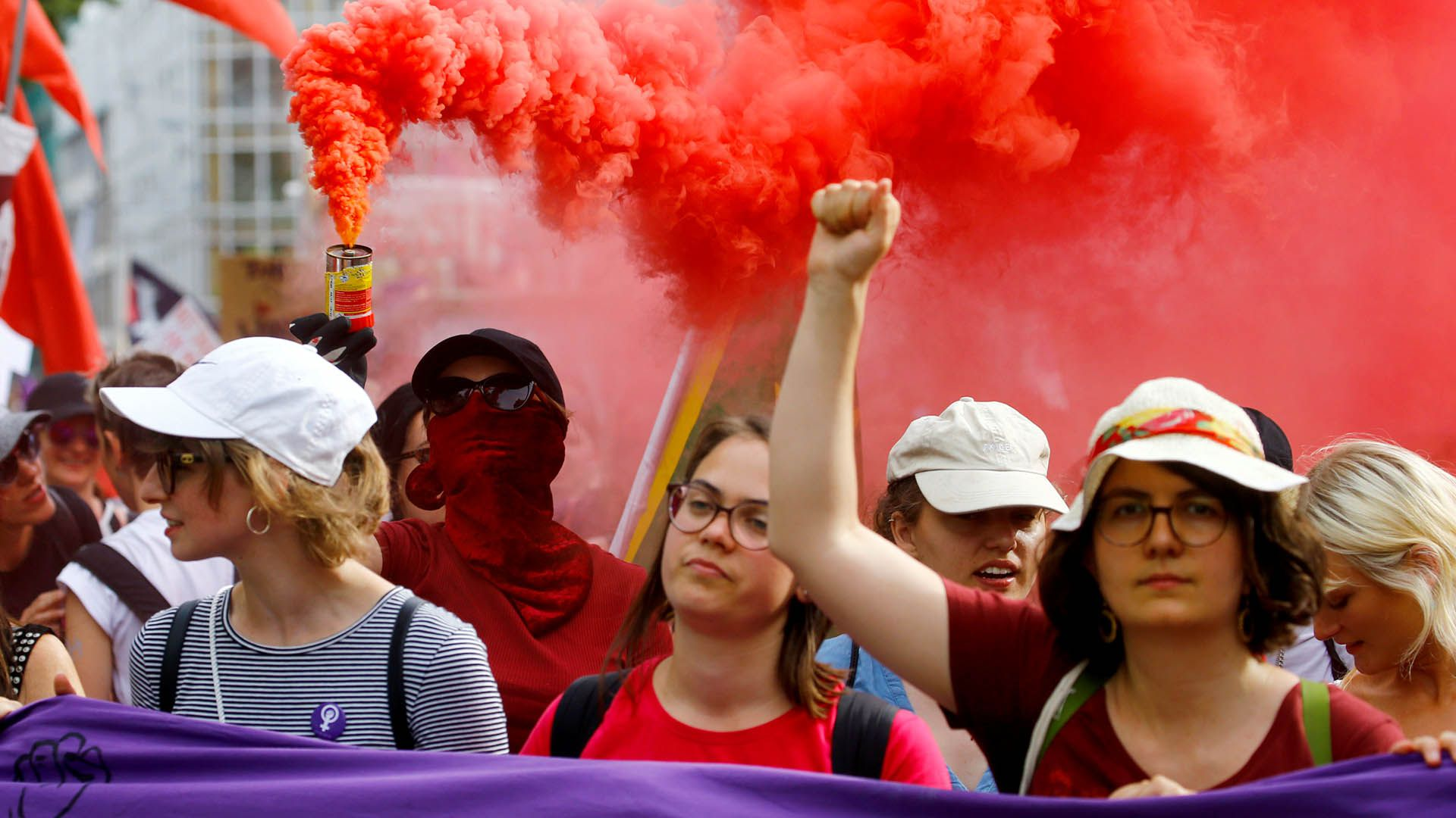 Miles de mujeres se manifestaron en Zúrich, Suiza(REUTERS/Arnd Wiegmann)