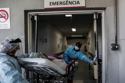 The number of deaths due to corona virus came to the 67.964 in Brazil (REUTERS/Amanda Perobelli)