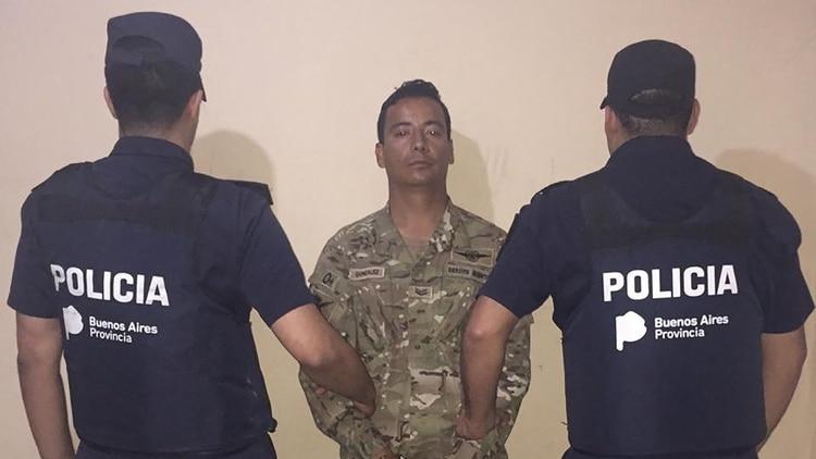 Fernando González Friveo, sargento del Ejército, tras ser detenido por la Bonaerense en noviembre de 2018.