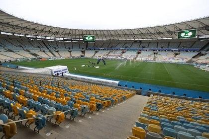 El Maracaná, uno de los puntos más visitados de la ciudad por los fanáticos del fútbol (REUTERS/Sergio Moraes)