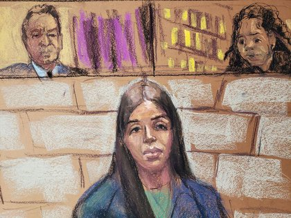 Coronel durante su comparecencia ante el juez magistrado de Estados Unidos Robin Meriweather y su abogado Jeffrey Lichtman, (Foto: REUTERS / Jane Rosenberg)