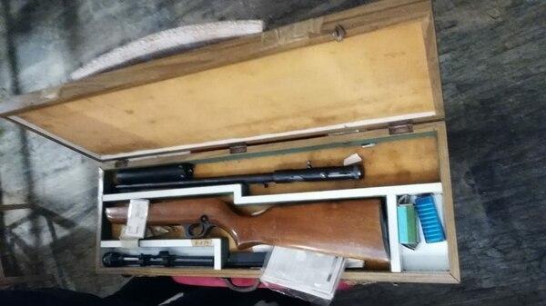 Melazo tenía al menos 12 armas de distinto calibre