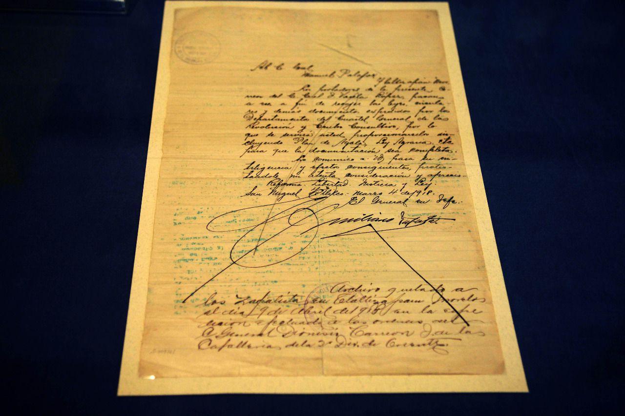 La carta inédita está escrita y firmada por el puño de Emiliano Zapata, uno de caudillos revolucionarios más relevantes de la Revolución Mexicano que se levantó en armas en el sur del país (Foto: UNAM)