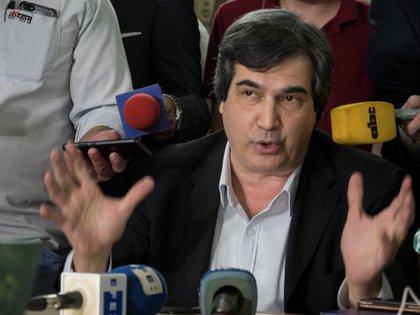 El senador Carlos Filizzola. EFE/ Martín Crespo/Archivo