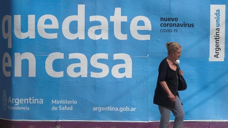 En los próximos días, el presidente anunciará una nueva postergación del final de la cuarentena para la región del AMBA, de los municipios de la provincia de Buenos Aires y de cinco departamentos del resto del país (Reuters)