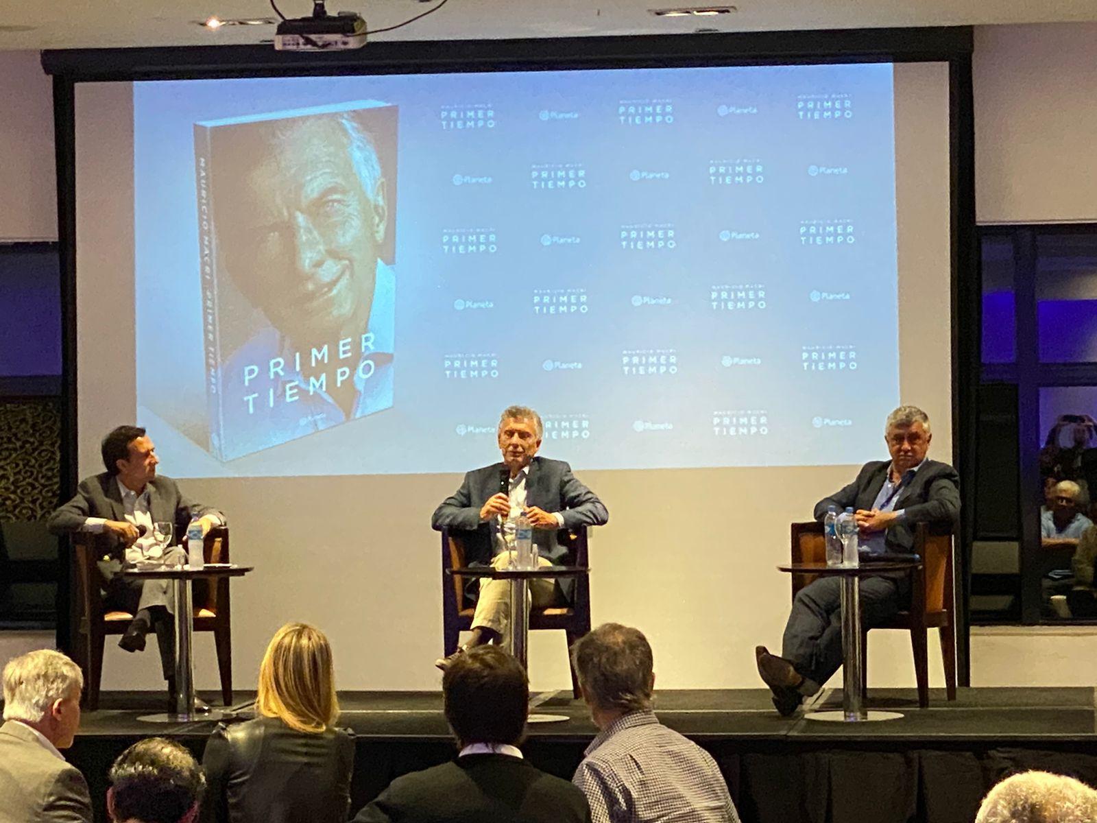 """Mauricio Macri en la Fundación Libertad de Santa Fe, donde presentó su libro """"Primer Tiempo"""""""