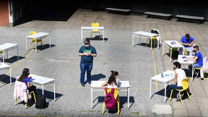 El primer día de clases al aire libre en la Ciudad (Maximiliano Luna)