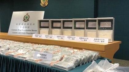 La aduana de Hong Kong incautó cerca de 80 kg de presunta cocaína el lunes por la noche. Foto: Departamento de Policía Aduanal de Hong Kong