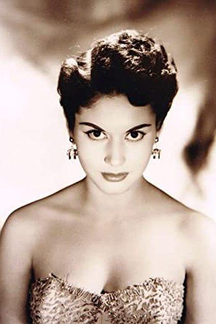 El 11 de mayo de 1952, cuando Higinio tenía 24 años de edad, se topó con Armando Lepe Ruíz, militar, agente del Servicio Secreto, y tío de la ex reina de belleza y actriz Ana Bertha Lepe (Foto: Twitter/@KennethWReid)