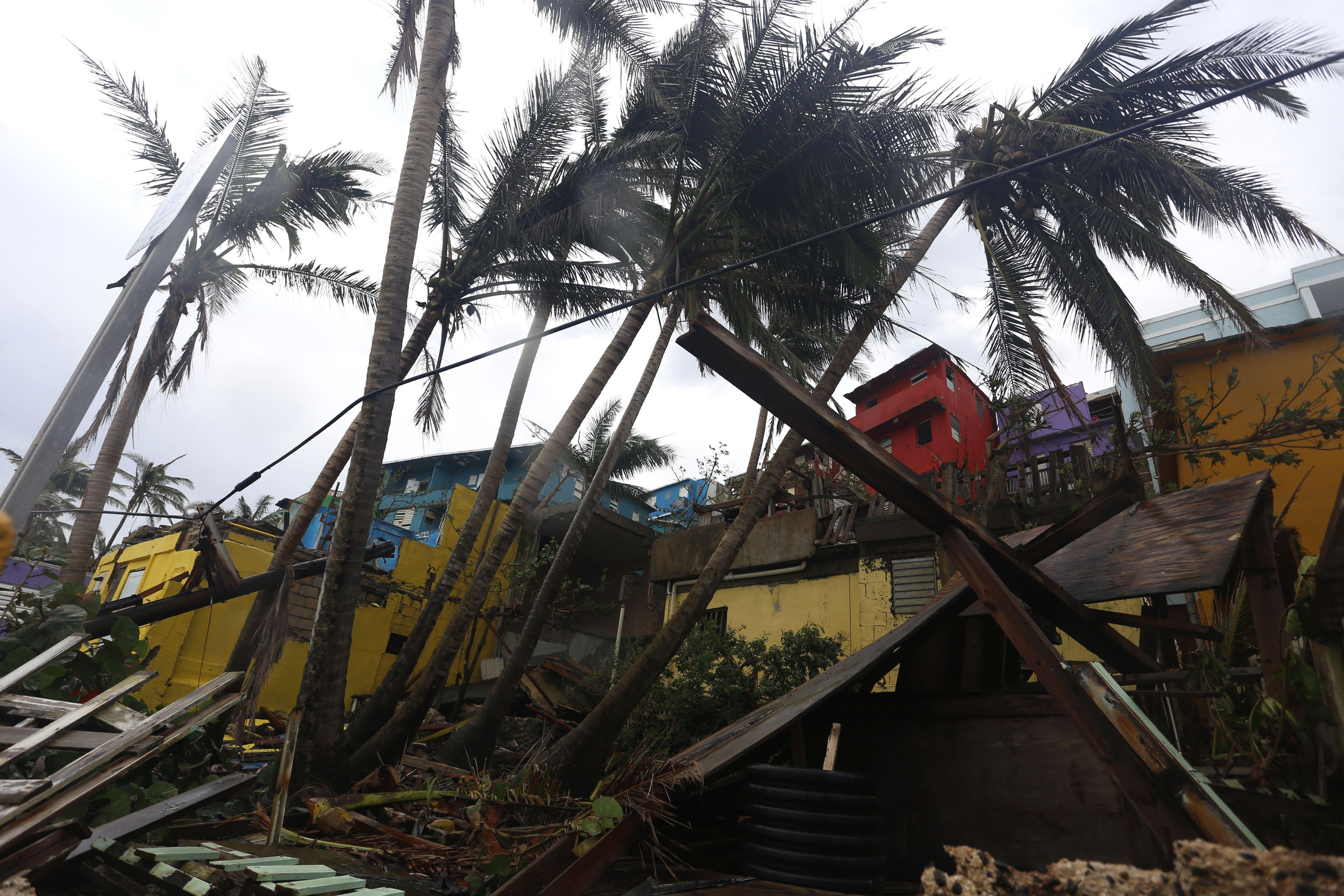 Vista de los destrozos causados por el huracán María, el 22 de septiembre de 2017, en La Perla (Puerto Rico). Fotografía de archivo. EFE/Thais Llorca