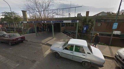 La beba fue internada de urgencia en el Hospital Paroissien de Isidro Casanova (Google Street View)