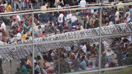 El exceso de presos es una fuente de poder de los pranes, a más presos, más causas y por ende más dinero.