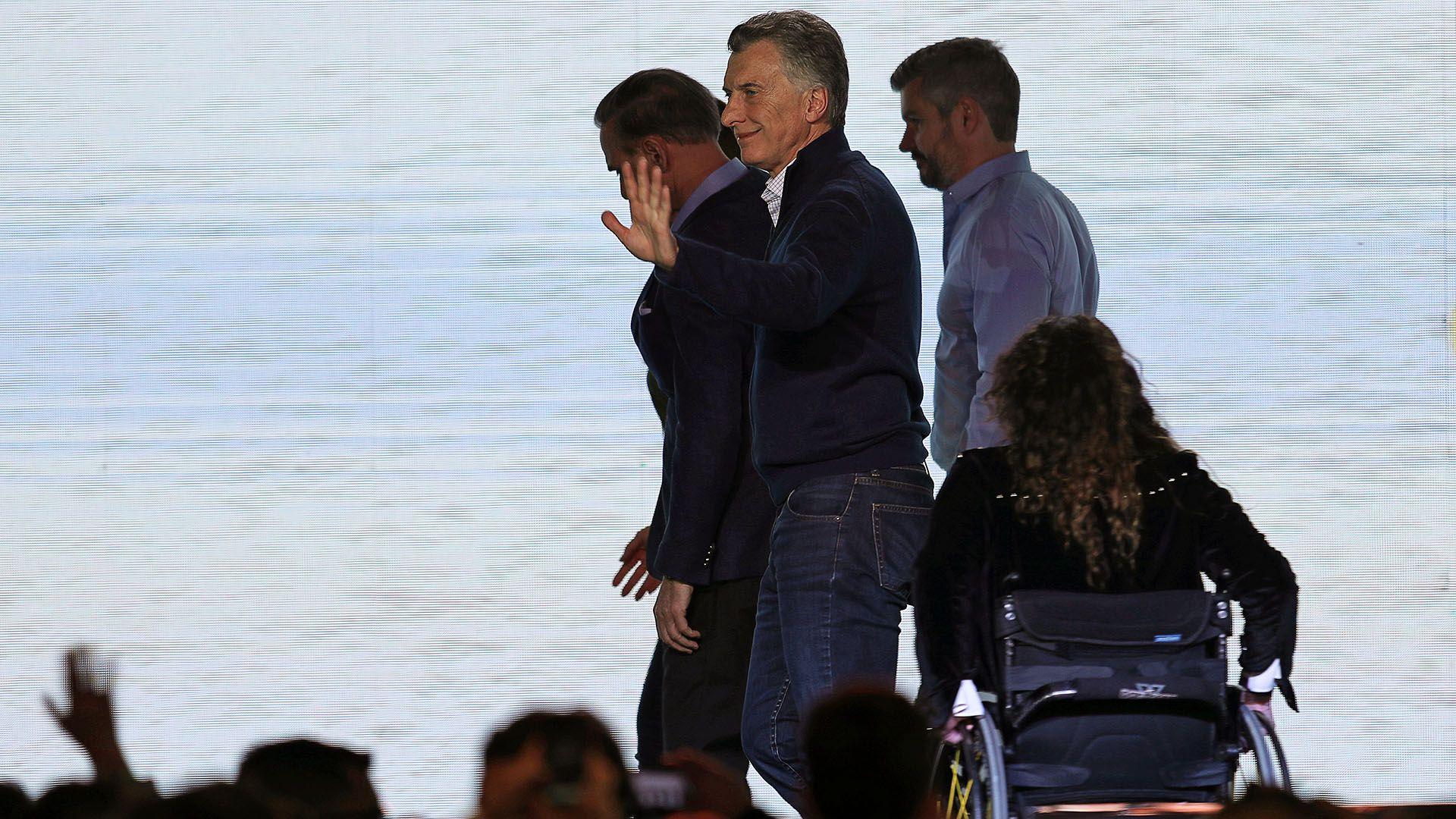 Mauricio Macri junto a Marcos Peña (Reuters)