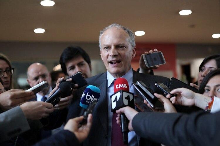 Alejandro Werner dijo que no hay dilema entre la cuarentena y el cuidado de la economía, que ambos van de la mano