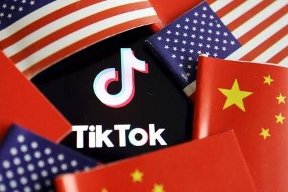 Trump le otorgó a la empresa china ByteDance un plazo de 45 días para negociar la venta de la popular aplicación de videos cortos TikTok a Microsoft