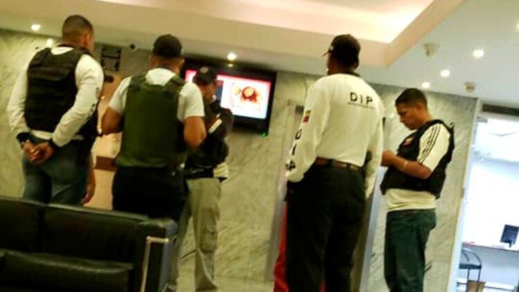 Agentes del FAES se encuentran en el hotel Paseo Las Mercedes