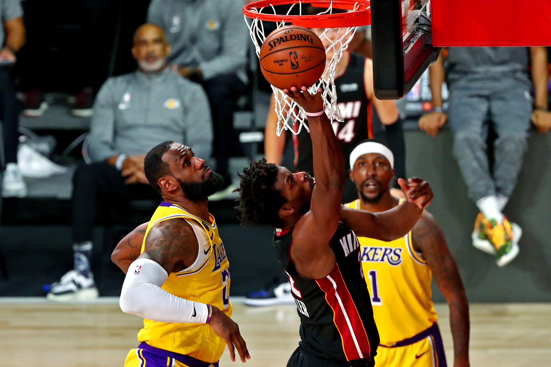Los Ángeles Lakers vencieron a Miami Heat y lideran 3-1 las finales de la NBA (Mandatory Credit: Kim Klement-USA TODAY Sports)