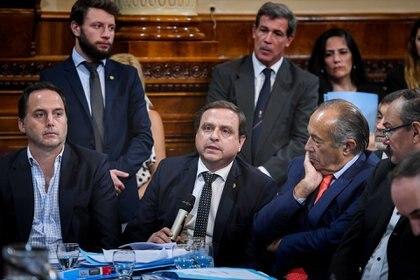 Guillermo Snopek toma la palabra (Foto: Senado)