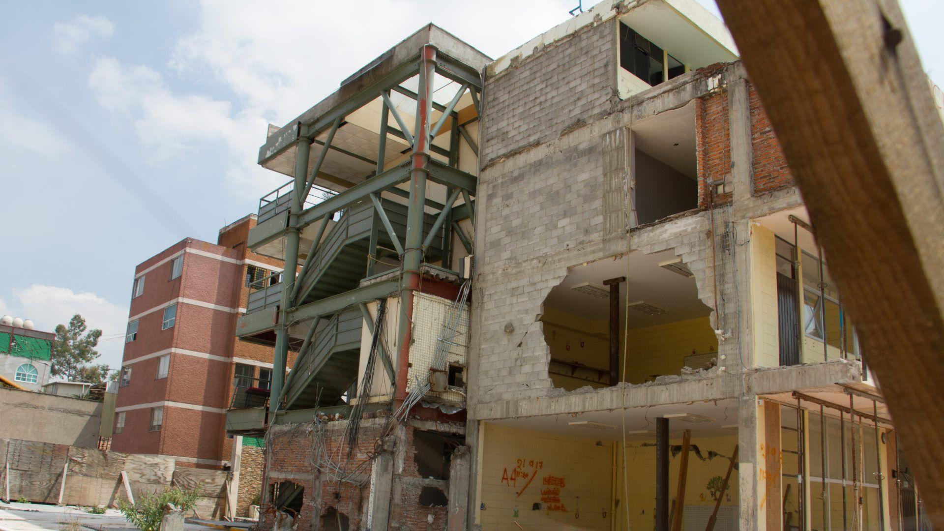 Uno de los tres edificios que conformaban el colegio Rébsamen sigue en pie (Foto: Cuartoscuro)