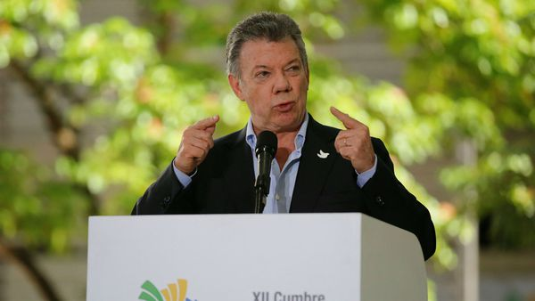 """Juan Manuel Santos le dijo a Donald Trump que América Latina no apoyaría una """"intervención militar"""" en Venezuela"""