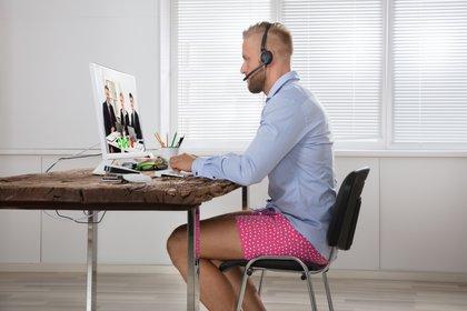 Tanto por el home office, que hace innecesaria la formalidad, como por el desempleo, que cancela las compras de ropa, la indumentaria cayó un 79% en los EEUU debido al coronavirus. (Shutterstock)
