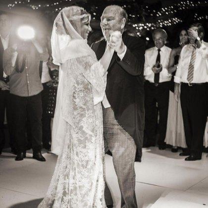 Esmeralda y Bartolomé bailando el vals en la boda de la actriz (Foto: álbum personal Esmeralda Mitre)