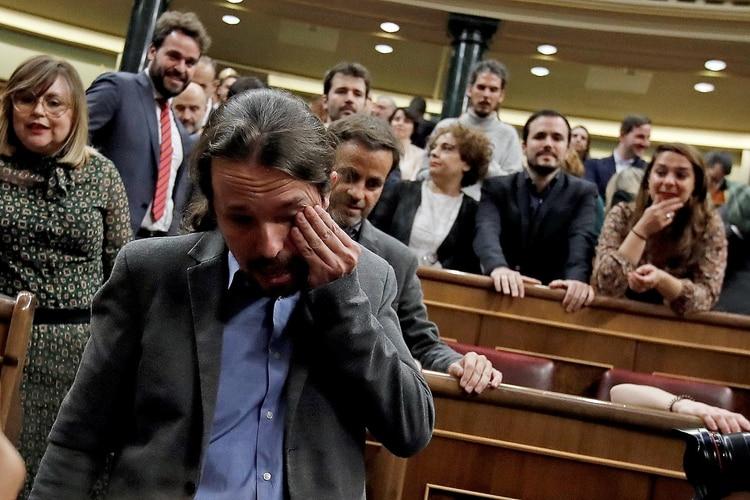 Iglesias se seca las lágrimas (EFE)