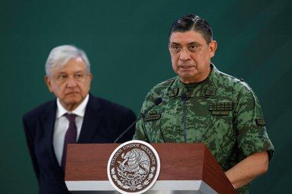 El presidente de México, Andrés Manuel López Obrador, ha puesto al Ejército en actividades que considera clave en su sexenio como la seguridad pública y la construcción del aeropuerto de Santa Lucía (Foto: Archivo/EFE)