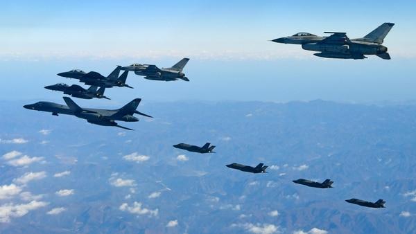 Bombarderos estadounidenses en la región (AFP)