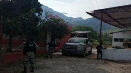 Detienen a dos personas y aseguran armamento en Jalisco 5SHMBEJVM5C3NBK5Z5BENKVQNM