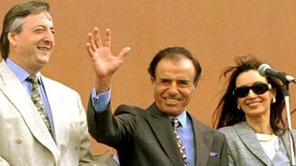 Menem y Kirchner no solo coincidían en la combinaciòn de camisa y corbata; también fueron los presidentes más discrecionales en el reparto de fondos, aunque en margen de favorecimiento a sus provincias quedaron detrás de Cristina Kirchner