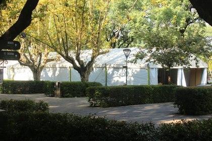 En los 3885 m2 de la carpa se instalarán 28 galerías