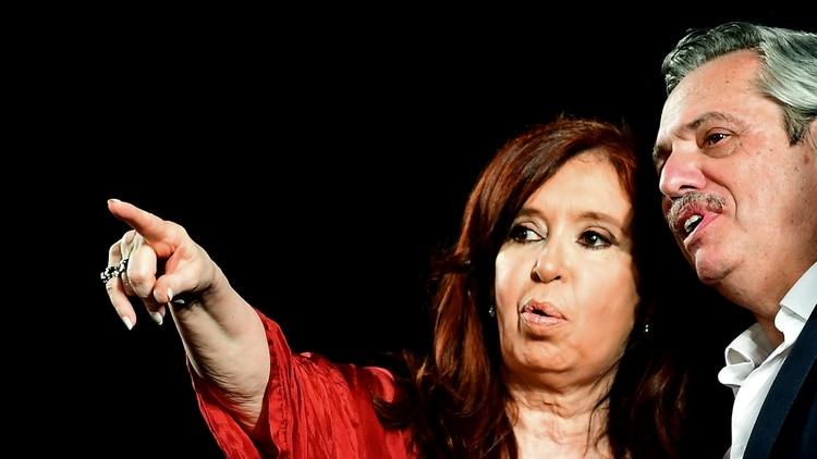 Alberto Fernández y Cristina Kirchner, presidente y vicepresidenta electos de Argentina (Photo by RONALDO SCHEMIDT / AFP)