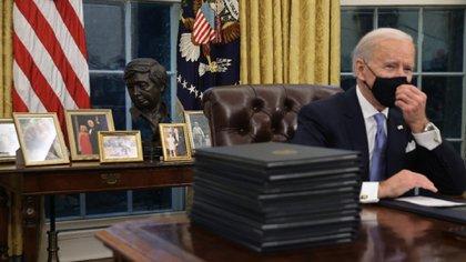 """Biden firmó decretos para proteger el programa DACA contra la deportación de los """"soñadores"""" (Foto: AP)"""
