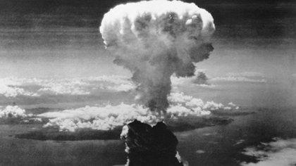 El 6 agosto de 1945 y hasta el 9 agosto de ese año se produjo el ataque nuclear sobre Hiroshima y Nagasaki.