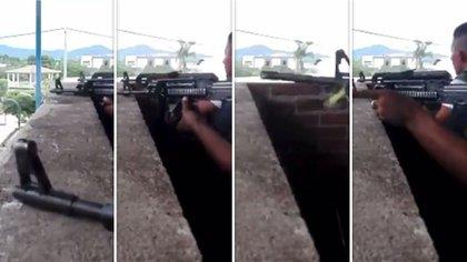Sicarios de Aguililla exhibieron sus armas a través de un video (Foto: Captura de pantalla)