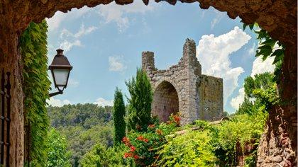 Los pueblos medievales en España ofrecen unencanto único (Getty Images)