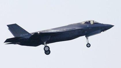Un jet F-35A de la Fuerza Aérea de Japón (AP)