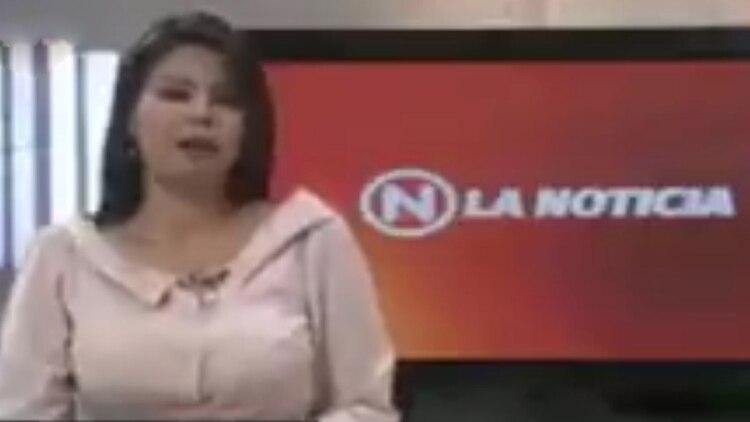La presentadora del informativo de VTV cambió de tema, tras el corte abrupto del discurso de Bachelet