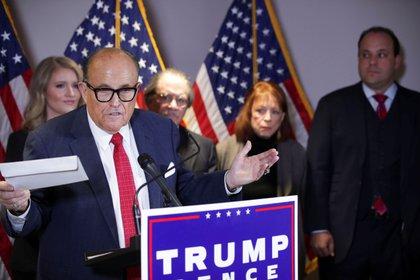 Rudy Giuliani, abogado de Donald Trump, insistió en que hubo fraude en las elecciones de EEUU (REUTERS/Jonathan Ernst)